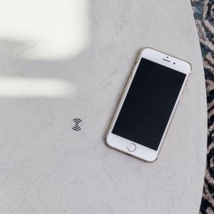 2HOME.NO - QINSIDE - Skjult trådløs mobillader som freses under bordet  - QI-induksjon lading - Qi1001V4-10W - SORT